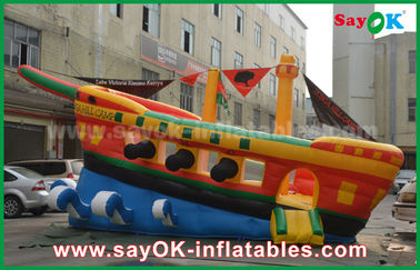 Chine Chambre gonflable jaune/rouge/bleue de rebond de château de publicité commerciale de bateau de pirate fournisseur