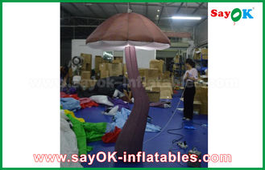 Chine Champignon gonflable vif de Brown avec la décoration d'intérieur de lumière de LED en démonstration fournisseur