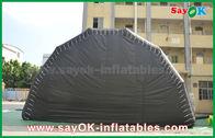 Chine Grande tente d'événement d'air adaptée aux besoins du client par noir de tente d'exposition gonflable d'étape avec la lumière menée usine