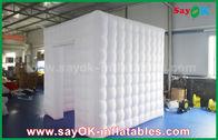 Chine Image peignant le cube gonflable blanc gonflable en tente 2.5m complètement Oxford de cabine de photo usine