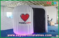Chine Le blanc a arrondi le tissu gonflable de Photobooth 210D Oxford et la lumière de LED société
