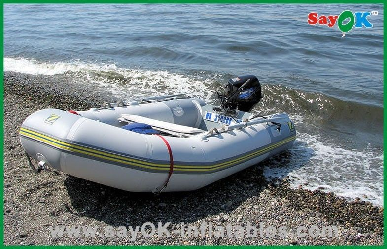 bateau de peche en riviere